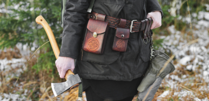 Leather bushcraft belt set with belt pouches and belt loops