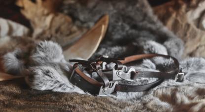 Leather ski bindings