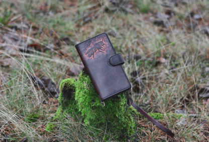 Leather phone covers with a bee