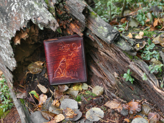 Leather file folder with wolf image