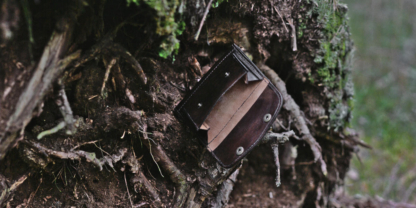 Leather wallet with Yggrdasil