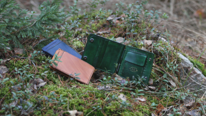 Green vegetable tanned leather money clip wallet