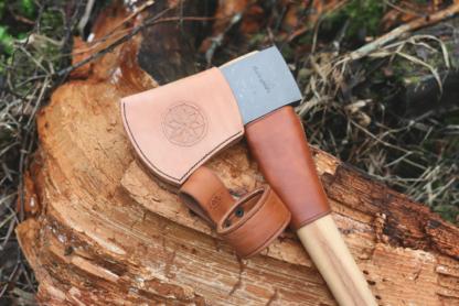 Leather sheath for an axe blade