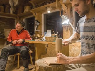 Leather craft course for grown-ups. Attendees are students at Edev Eremiit traditional woodworking school. In our mini course we made suitable leather sheaths for woodworking tools.